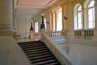 Corvinus_University_of_Budapest_-_the_main_staircase